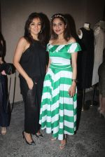Madhoo at the launch of Ensemble- India_s first multi-designer store in Mumbai on 10th Aug 2016 (363)_57ac4533a8388.JPG