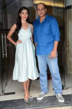 Pooja Hegde, Ashutosh Gowariker promote Mohenjo Daro in INOX, Mumbai on 11th Aug 2016 (21)_57ac8446009e7.JPG