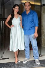 Pooja Hegde, Ashutosh Gowariker promote Mohenjo Daro in INOX, Mumbai on 11th Aug 2016 (25)_57ac844798940.JPG