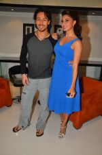Tiger Shroff, Jacqueline Fernandez shoot at the promotion of The Flying Jatt on 10th Aug 2016 (12)_57ac4a67b5ad1.JPG