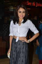 Amruta Khanvilkar at Sai Tamhanakar_s film screening in Mumbai on 11th Aug 2016 (9)_57ad98e511210.JPG