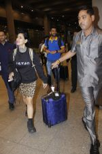 Mahendra Singh Dhoni snapped at airport on 11th Aug 2016 (25)_57ad97052e27c.JPG