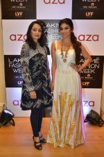 Mouni Roy at Aza in association with Lakme Fashion Week with emerging designers on 11th Aug 2016 (21)_57ad9767c44e5.JPG