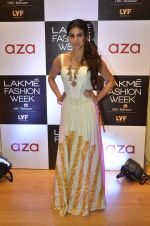 Mouni Roy at Aza in association with Lakme Fashion Week with emerging designers on 11th Aug 2016 (27)_57ad97764ee8b.JPG