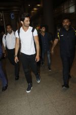 Sushant Singh Rajput snapped at airport on 11th Aug 2016 (19)_57ad9707e08a3.JPG