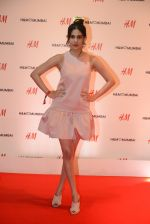 Amyra Dastur at h&m mubai launch on 11th Aug 2016 (282)_57af34c3415c9.JPG