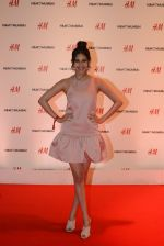Amyra Dastur at h&m mubai launch on 11th Aug 2016 (283)_57af34c98c31d.JPG