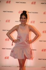 Amyra Dastur at h&m mubai launch on 11th Aug 2016 (285)_57af34cfc7d69.JPG