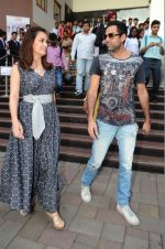 Dia Mirza and Abhay Deol sanpped at Welingkar college on 12th Aug 2016 (79)_57af6fa387d4c.JPG