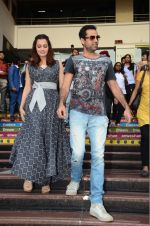 Dia Mirza and Abhay Deol sanpped at Welingkar college on 12th Aug 2016 (84)_57af7001d8bf6.JPG