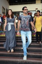 Dia Mirza and Abhay Deol sanpped at Welingkar college on 12th Aug 2016 (85)_57af6faba7046.JPG