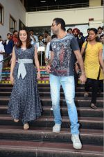Dia Mirza and Abhay Deol sanpped at Welingkar college on 12th Aug 2016 (86)_57af700b927fd.JPG