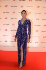 Gauhar Khan at h&m mubai launch on 11th Aug 2016 (73)_57af35aec02f3.JPG