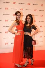 Mouni Roy at h&m mubai launch on 11th Aug 2016 (221)_57af363da4a37.JPG
