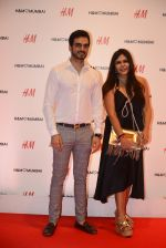 Nisha Jamwal at h&m mubai launch on 11th Aug 2016 (16)_57af36944d508.JPG