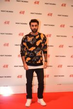 Ranbir Kapoor at h&m mubai launch on 11th Aug 2016 (269)_57af36f68e390.JPG