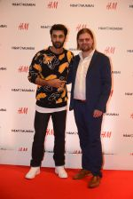 Ranbir Kapoor at h&m mubai launch on 11th Aug 2016 (362)_57af370e3d785.JPG