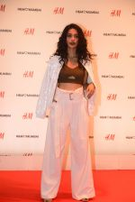 Sarah Jane Dias at h&m mubai launch on 11th Aug 2016 (105)_57af37927883a.JPG