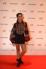 Shibani Dandekar at h&m mubai launch on 11th Aug 2016 (299)_57af37b52ec17.JPG