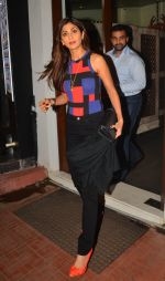 Shilpa Shetty snapped in Mumbai on 12th Aug 2016 (3)_57af6c2465d91.JPG