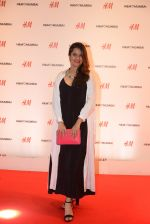 Sona Mohapatra at h&m mubai launch on 11th Aug 2016 (74)_57af37bd063da.JPG