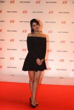 Sonal Chauhan at h&m mubai launch on 11th Aug 2016 (105)_57af37ca9453a.JPG