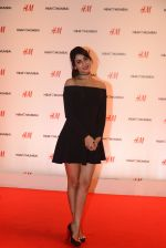 Sonal Chauhan at h&m mubai launch on 11th Aug 2016 (106)_57af37cd09d52.JPG