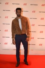 Upen Patel at h&m mubai launch on 11th Aug 2016 (270)_57af38108463a.JPG