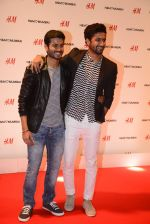 Vicky Kaushal at h&m mubai launch on 11th Aug 2016 (252)_57af38638f667.JPG