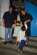 Vidya Balan snapped at a bday bash for kids on 12th Aug 2016 (1)_57af660ba1108.jpg