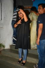 Vidya Balan snapped at a bday bash for kids on 12th Aug 2016 (6)_57af6612a693c.jpg
