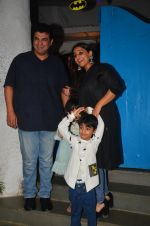 Vidya Balan snapped at a bday bash for kids on 12th Aug 2016 (7)_57af6c0161332.JPG