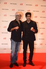 Vijender Singh at h&m mubai launch on 11th Aug 2016 (183)_57af386d58864.JPG
