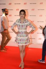 at h&m mubai launch on 11th Aug 2016 (43)_57af3524434c1.JPG