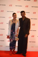 at h&m mubai launch on 11th Aug 2016 (113)_57af35579dd4f.JPG