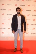 at h&m mubai launch on 11th Aug 2016 (114)_57af3558ec57e.JPG