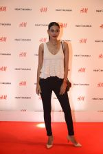 at h&m mubai launch on 11th Aug 2016 (117)_57af355da4133.JPG