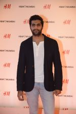 at h&m mubai launch on 11th Aug 2016 (120)_57af35615d662.JPG