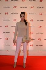 at h&m mubai launch on 11th Aug 2016 (156)_57af358814ca1.JPG