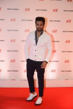 at h&m mubai launch on 11th Aug 2016 (165)_57af35952f8f9.JPG