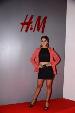 at h&m mubai launch on 11th Aug 2016 (181)_57af35a49384a.JPG