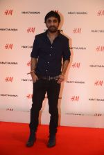 at h&m mubai launch on 11th Aug 2016 (211)_57af35d921300.JPG