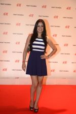 at h&m mubai launch on 11th Aug 2016 (226)_57af35e3adc5a.JPG