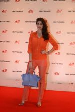 at h&m mubai launch on 11th Aug 2016 (228)_57af35e69145e.JPG