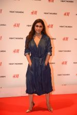 at h&m mubai launch on 11th Aug 2016 (274)_57af3611bb310.JPG