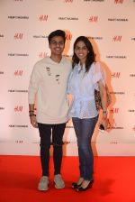 at h&m mubai launch on 11th Aug 2016 (30)_57af35111a9c3.JPG