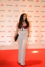 at h&m mubai launch on 11th Aug 2016 (304)_57af3635273b1.JPG