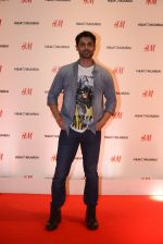 at h&m mubai launch on 11th Aug 2016 (31)_57af35124cfd2.JPG