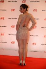 at h&m mubai launch on 11th Aug 2016 (322)_57af36465b359.JPG