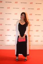 at h&m mubai launch on 11th Aug 2016 (63)_57af353397cbc.JPG